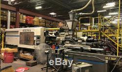 1995 Cincinnati 440-ton Plastic Injection Molding Machine