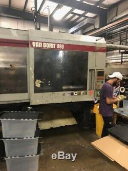 1997 Van Dorn 880-ton Plastic Injection Molding Machine