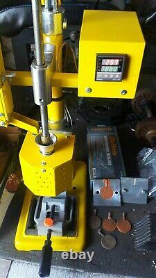 Bench Top Plastic Injection Molding Machine