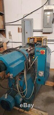 Boy Electronic plastic molding injection machine
