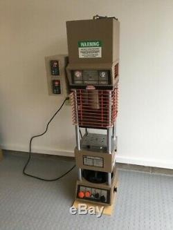 Morgan Press G100T Plastic Injection Molding Machine. 4 Ounce Capacity