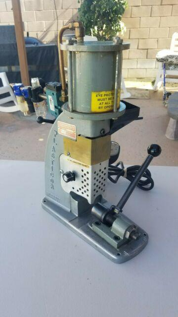 Simplomatic 1/4 Oz. Bench Top Plastic Injection Molding Machine, Desk Top Molder