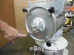 Stainless S/s Injection Molding Plastic Color Pellet Hopper Mixer Blender